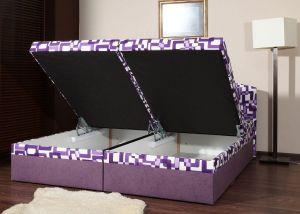 Čalouněná postel Izabela fialová
