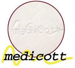 Medicott načkový typ pleteného potahu, který svým speciálním složením zabraňuje tvorbě a usazování domácích roztočů a tvorbu plísní. Roztoči žijí v tmavém, vlhkém a málo odvětrávaném prostředí, a tomu přesně odpovídá vaše postel. Hlavní obživou pro roztoče jsou odpadávající buňky vaší kůže. Ty jsou rozkládány plísněmi a tak se stávají stravitelnými pro prachové roztoče. Plíseň samotná způsobuje alergie spojené s dýchacími symptomy. Medicott je účinná složka látky, která zabraňuje v bavlně nebo v látkách s bavlněným základem vzniku plísní a současně přežití prachových roztočů. Medicott má vynikající antibakteriální účinky, které jsou dosaženy bez přídavku chemických látek. Tajemství úspěšného fungování spočívá v odstranění nečistot z vláken přírodní bavlny, čímž se zamezí potencionálnímu domovu plísní. Potah má dlouhotrvající účinek při pravidelné údržbě. Potah je pratelný na 60°C. Pro pocit většího komfortu dodáváme tuto potahovou látku v prošití 300g/m. - Dřevočal matrace Nora 1 + 1